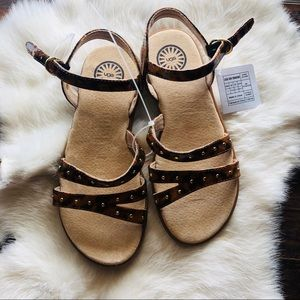 NWT Kids UGGs sandals